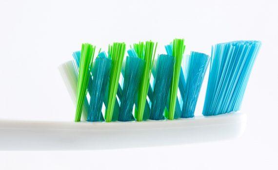 Jak myć zęby, aby uniknąć próchnicy