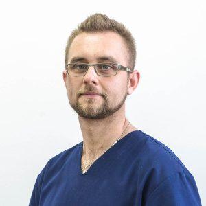 Lekarz dentysta Szymon Chełstowski
